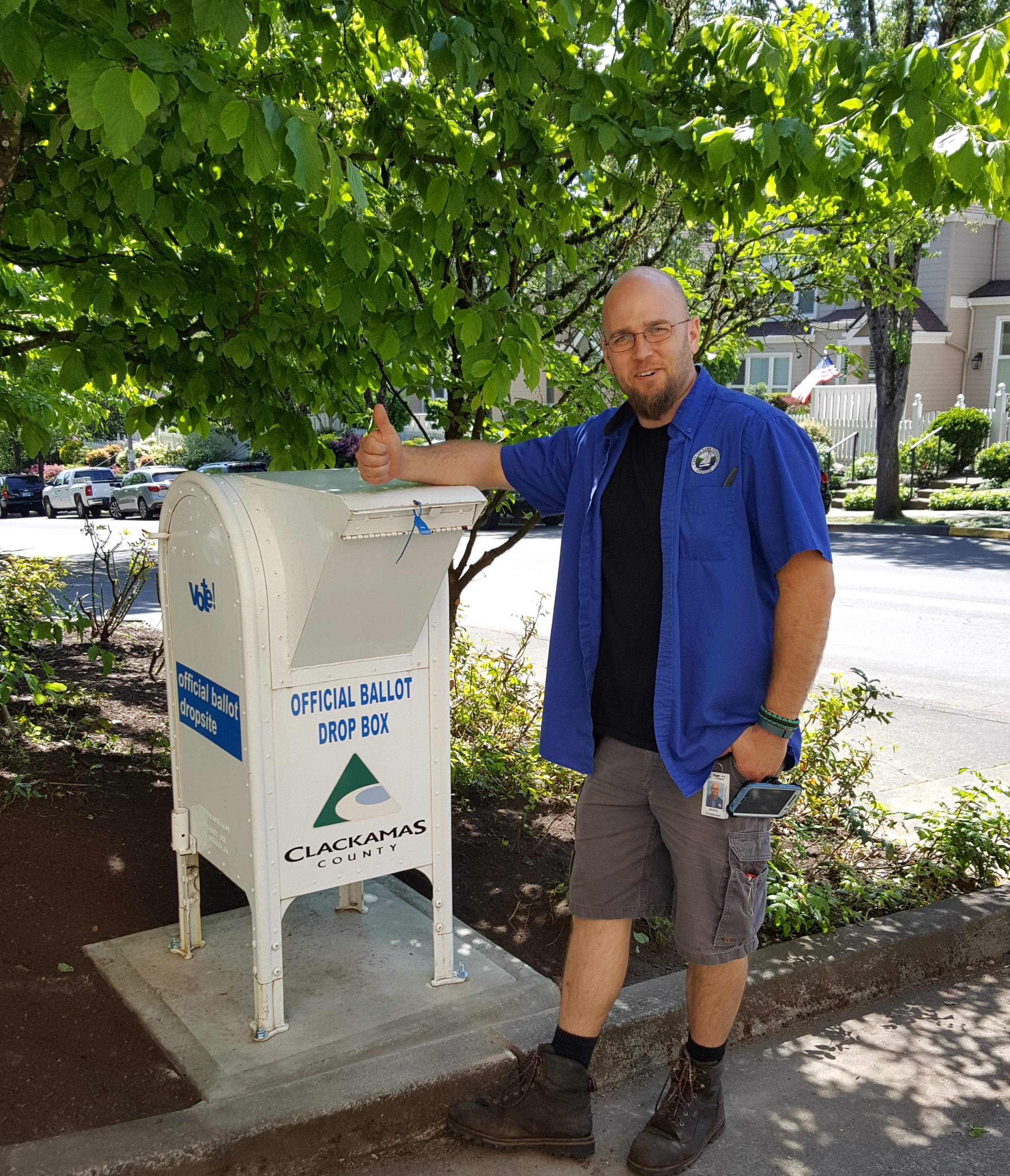 Lake Oswego City Hall Hosts New Ballot Drop Box