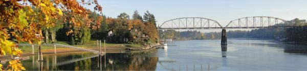 Willamette River railroad bridge