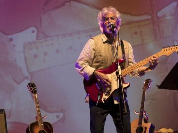 Singer-songwriter Bernie Sims plays a free concert at Lake Oswego Public Library at 7 p.m. Tuesday, Dec. 4.